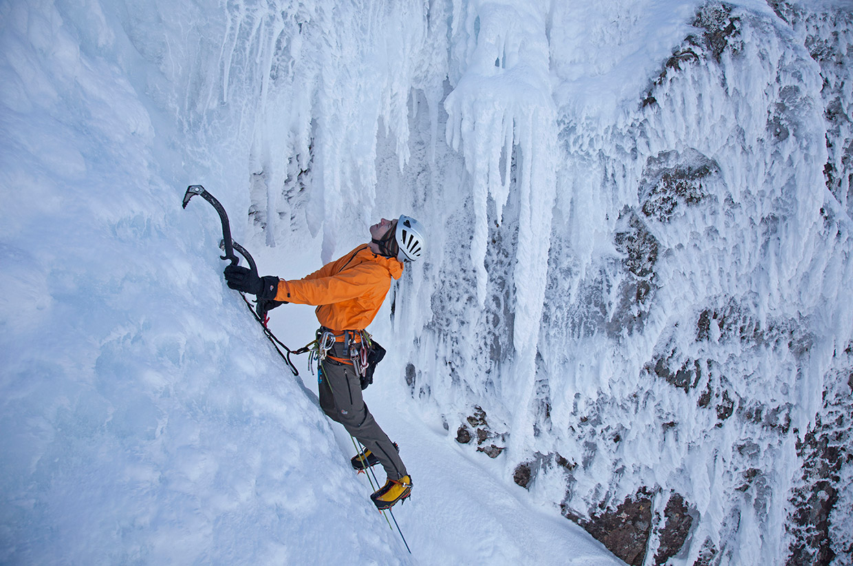 Andy-Cave-Climbing-Stand-and-Deliver-on-Aonach-Beag-Pic-Paul-Diffley-Hot-Aches-Productions