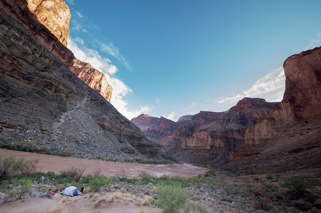 Camping on The Colorado River - ©Maiamedia