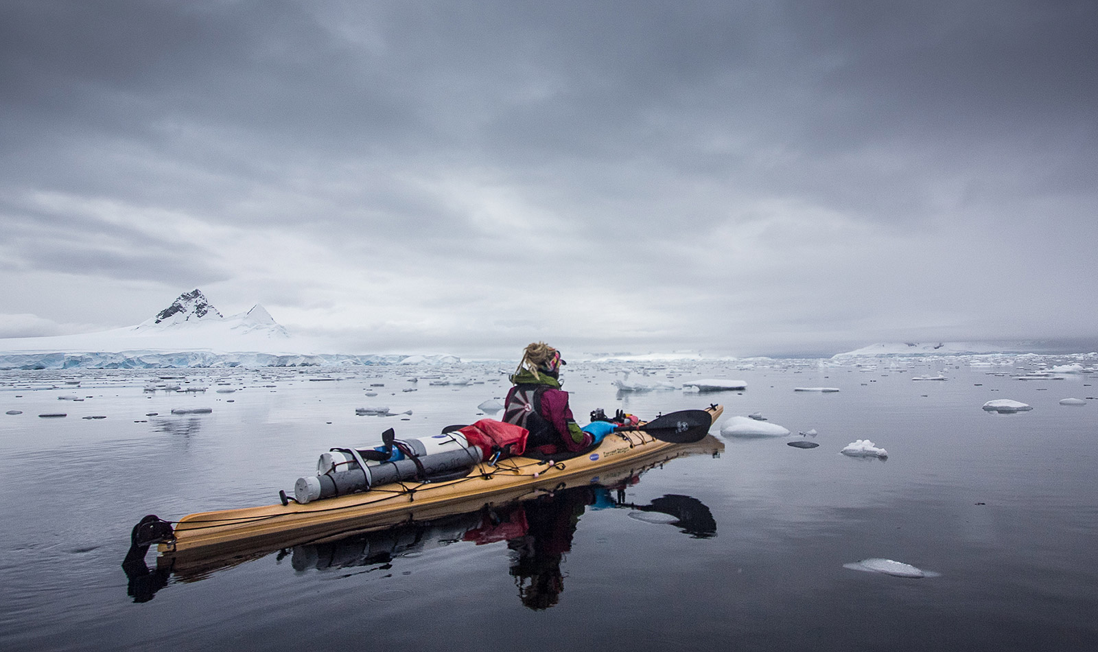 Wild-Connections-kayak-antarctica-01
