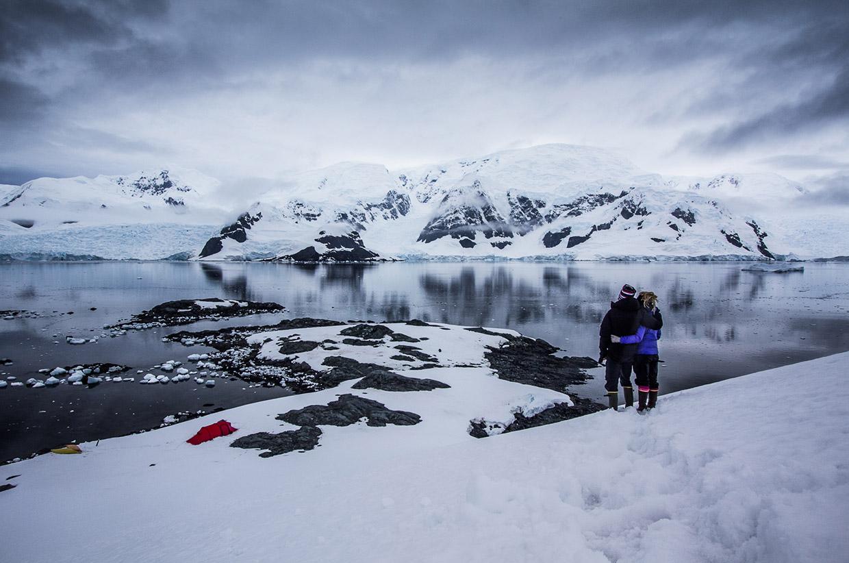 Wild-Connections-kayak-antarctica-02
