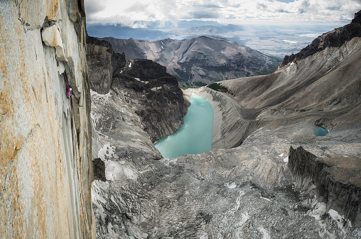 Mayan Smith-Gobat climbing pitch 16 in the route riders on the storm, Torres del Paine